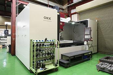 OKK 立型マシニングセンター  VM900